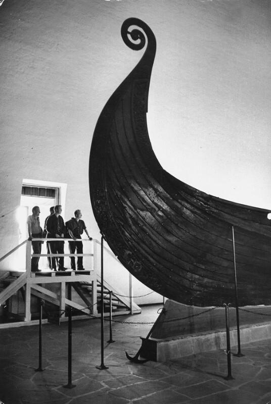 """Das """"Oseberg Boot"""", ein Wikingerschiff im Wikingerschiffhaus in Oslo. Norwegen"""