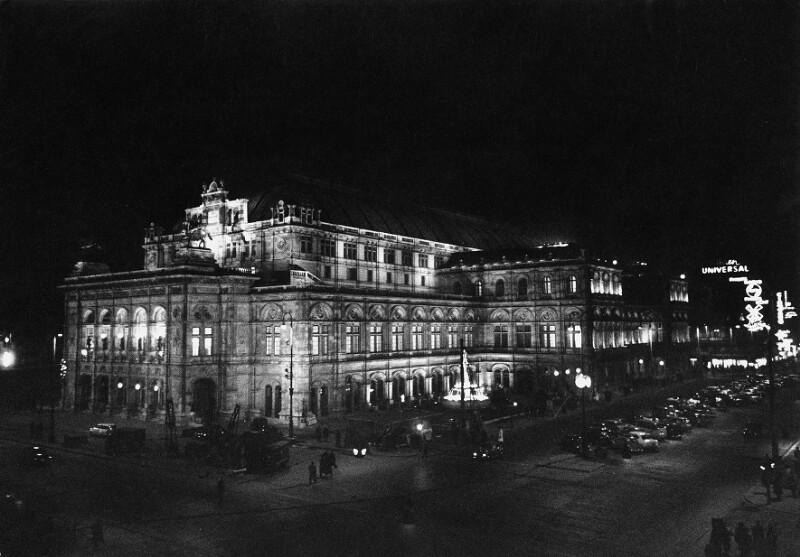 Das am 5. November 1955 neueröffnete Wiener Opernhaus