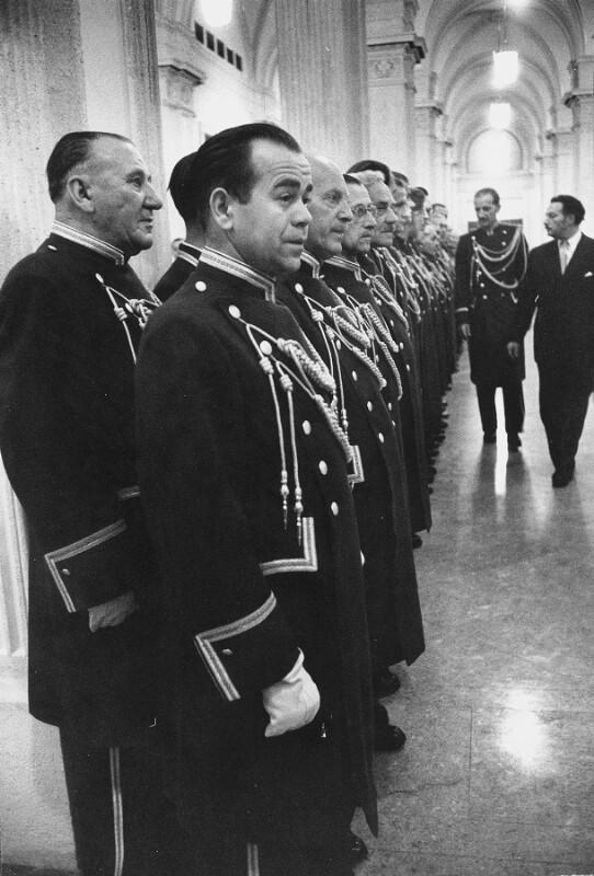Neueröffnung des Wiener Opernhauses: Letzter Aufruf für die Ticket-Kontrolleure, 1955
