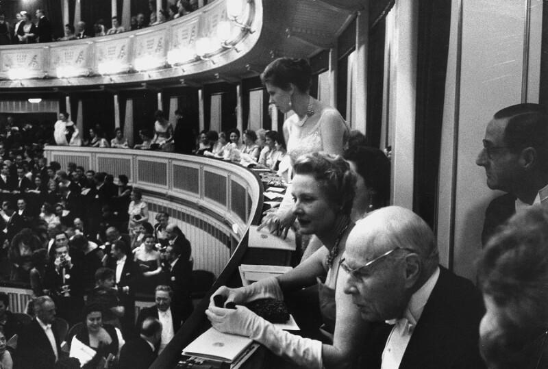 """Neueröffnung des Wiener Opernhauses: Bei der Eröffnung wurde Beethovens """"Fidelio"""" aufgeführt, 1955"""