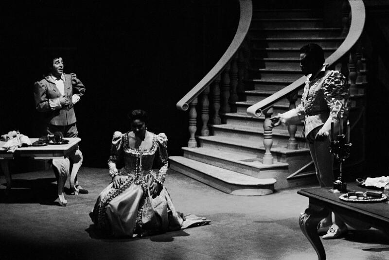 """""""Don Giovanni"""" an der Wiener Staatsoper, 1955, mit George London (Don Giovanni) und Erich Kunz (Leporello)"""