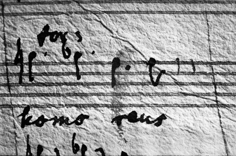 Die letzten Noten, die Mozart vor seinem Tod komponierte, letzte Seite der Partitur des Requiem.