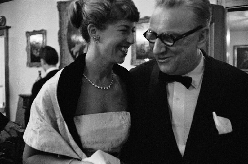 Hortense Buehrle-Anda, die Gründerin des Festivals von Luzern, mit dem Musikproduzenten Walter Legge