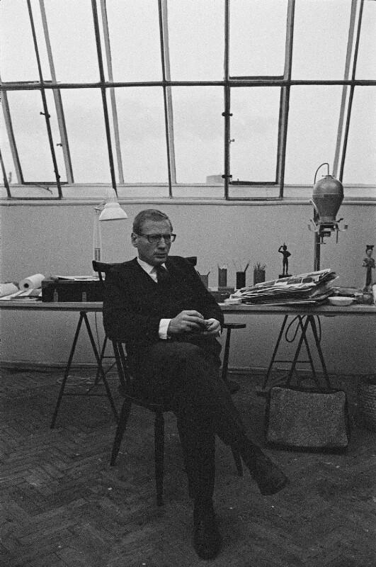 Der Maler Rudolf Hausner in seinem Atelier, Wien, 1962