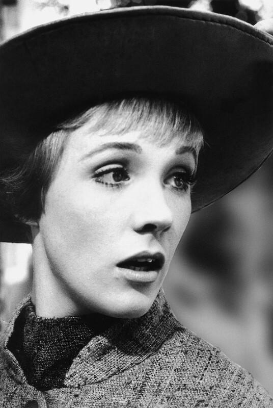 """Julie Andrews während der Dreharbeiten zu """"The Sound of Music"""", Salzburg, 1964"""