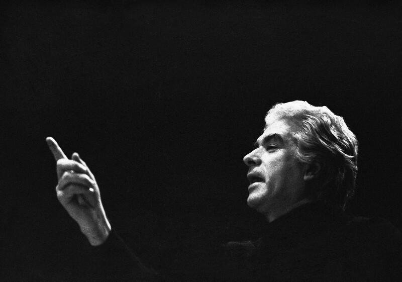 """Giorgio Strehler, Regisseur von Mozarts """"Die Hochzeit des Figaro"""", an der wiedereröffneten Pariser Oper, 1973"""