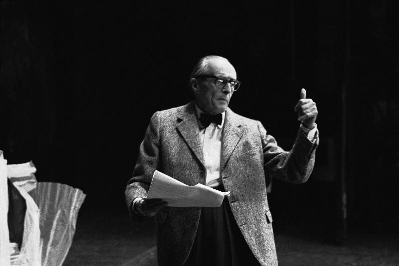 Regisseur René Clair in der Pariser Oper, 1973
