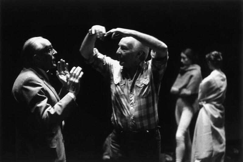 René Clair und der Choreograph George Balanchine proben an der Pariser Oper, 1973