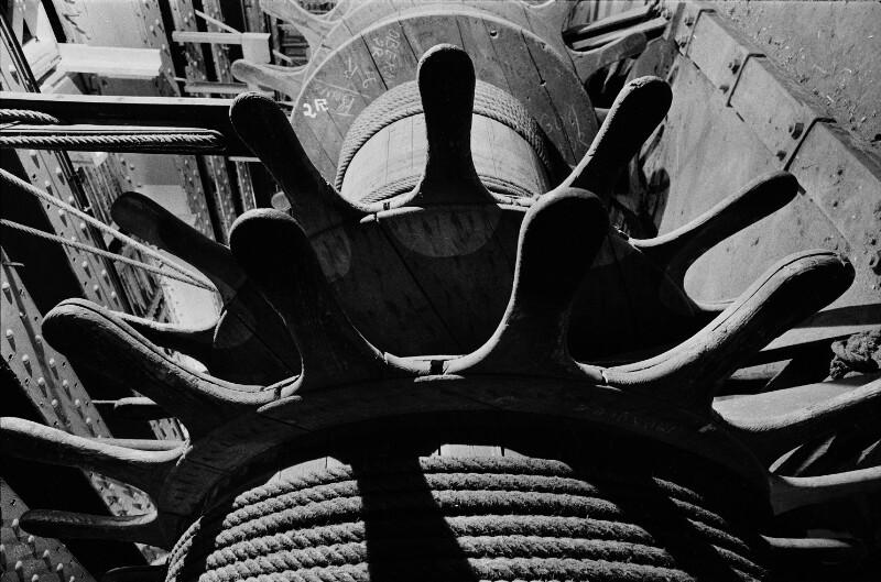 Hinter der Bühne: Seilwinde in der Pariser Oper, 1973