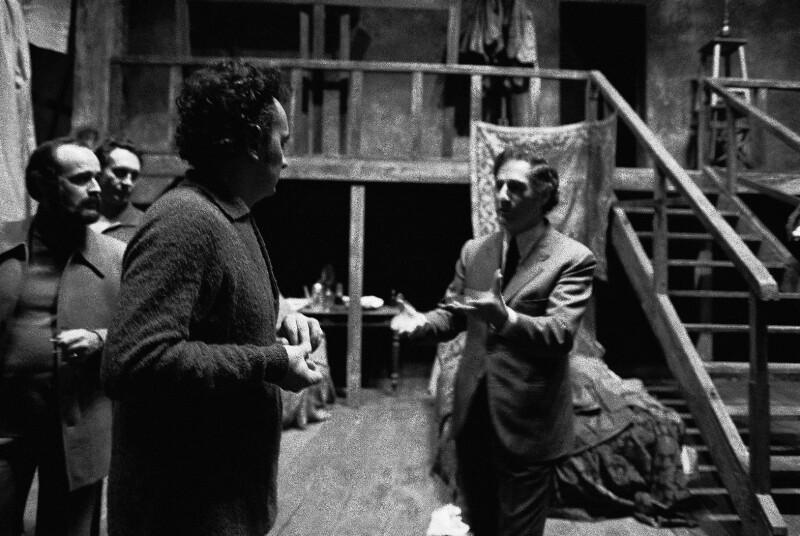 Der Komponist Gian Carlo Menotti (rechts)
