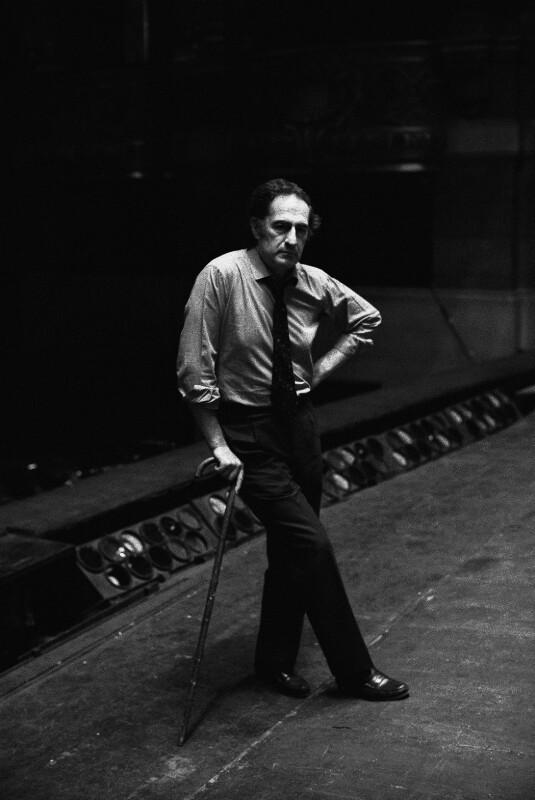 Der Komponist Gian Carlo Menotti in der Pariser Oper, 1973