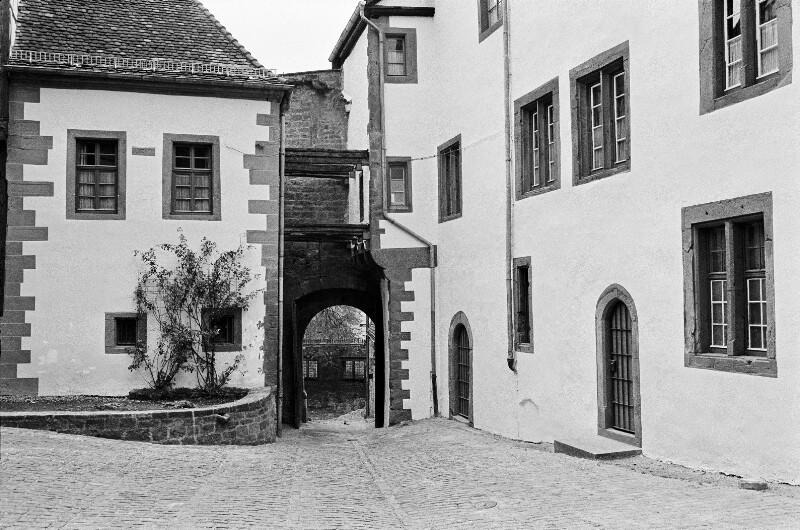 Eingang zum Schloss Chillon am Genfer See, Schweiz