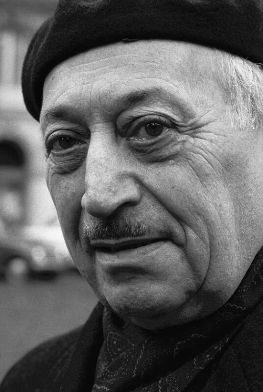 Simon Wiesenthal, Wien, 1975