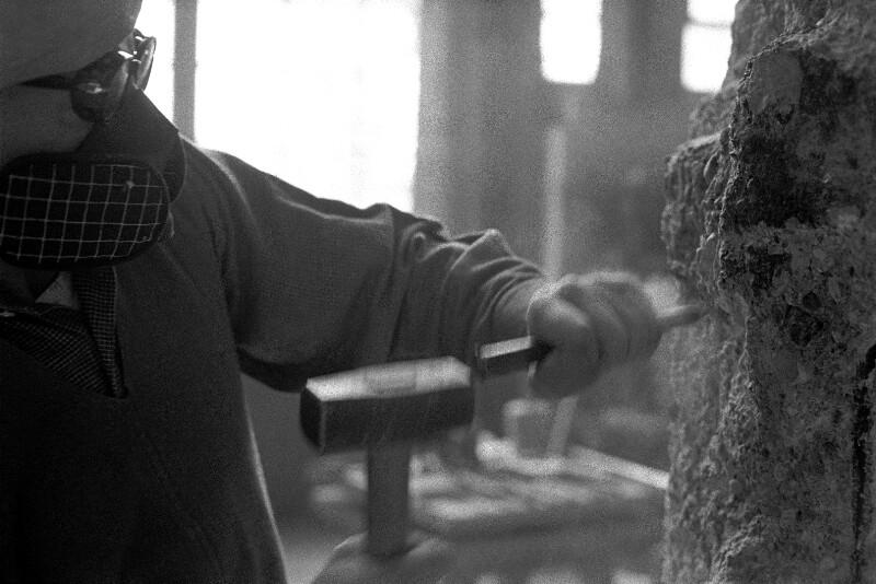 Der Bildhauer Fritz Wotruba in seinem Atelier, Wien, 1959