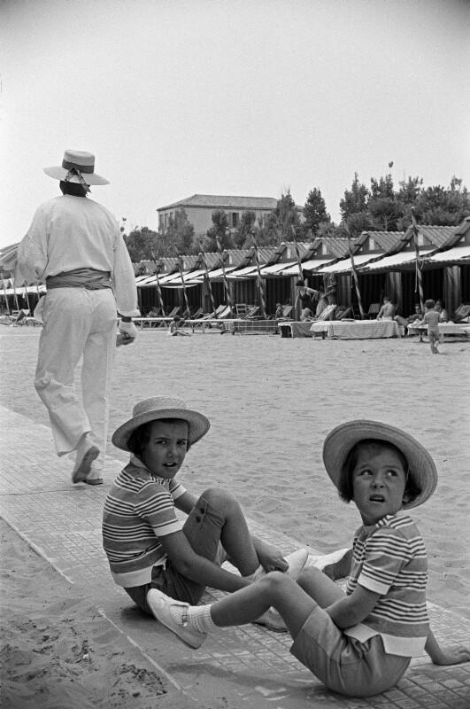 Am Strand von Cesenatico, Italien, 1960
