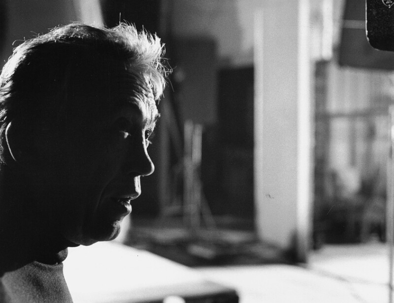 """John Huston während der Dreharbeiten seines Films """"Freud"""", Wien, 1961"""