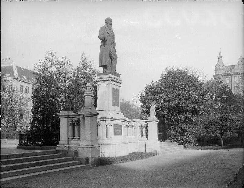Wien 1, Friedrich-Schmidt-Platz