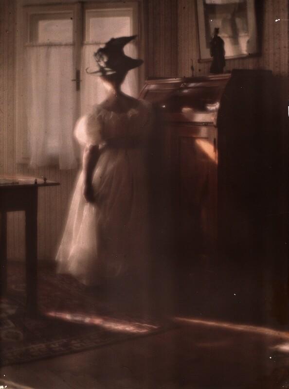 Mary Warner im Gegenlicht