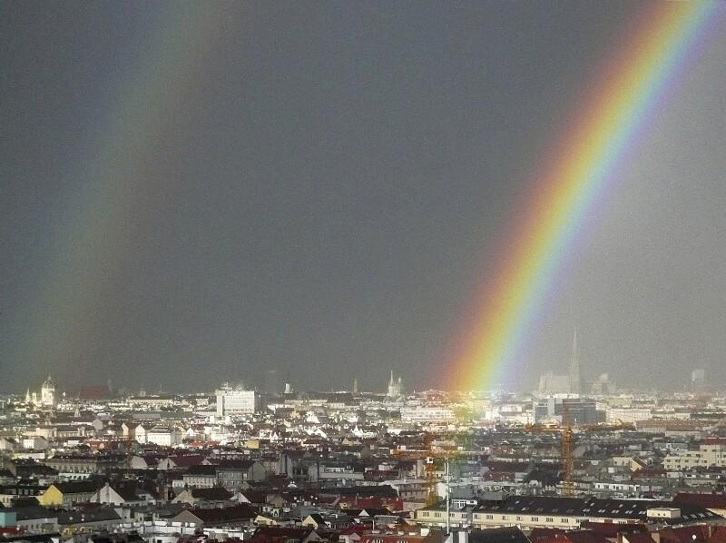 Regenbogen Richtung Hofburg