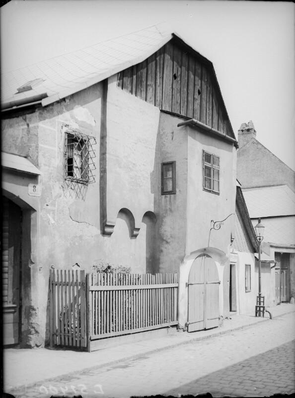 Wien 19,  Kahlenbergstraße 8