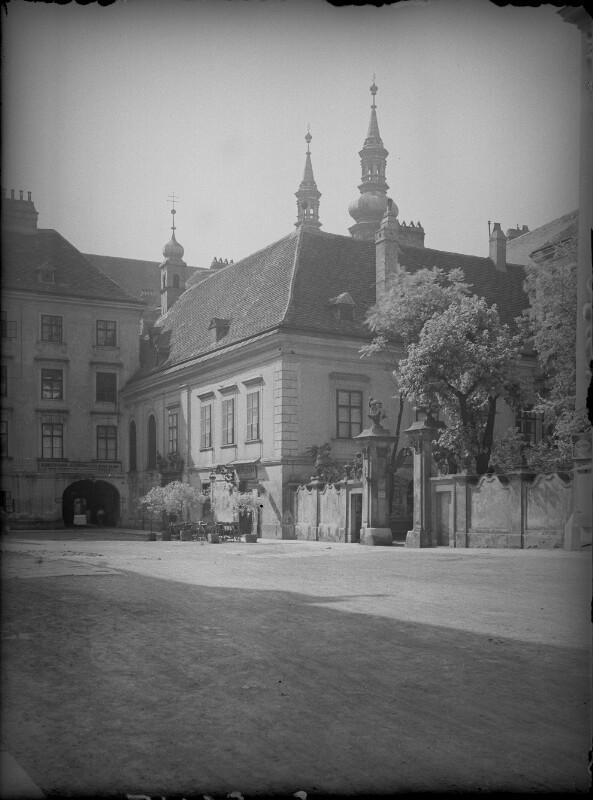 Wien 1, Heiligenkreuzerhof