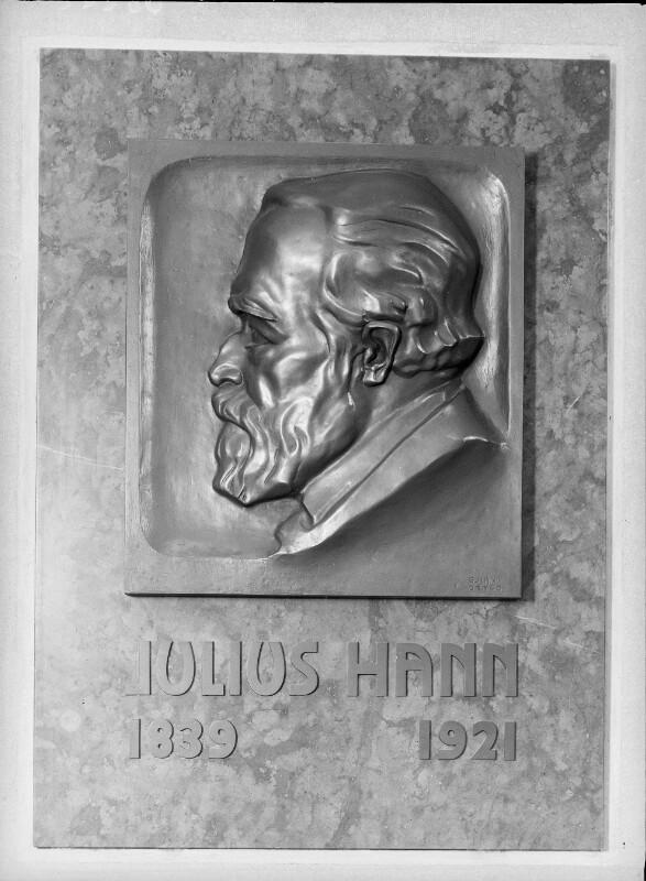 Hann-Aistprugg, Julius von