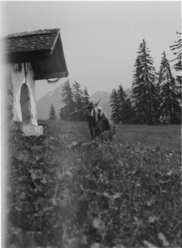 Wegkapelle am Zeinisjoch im Hochsommer