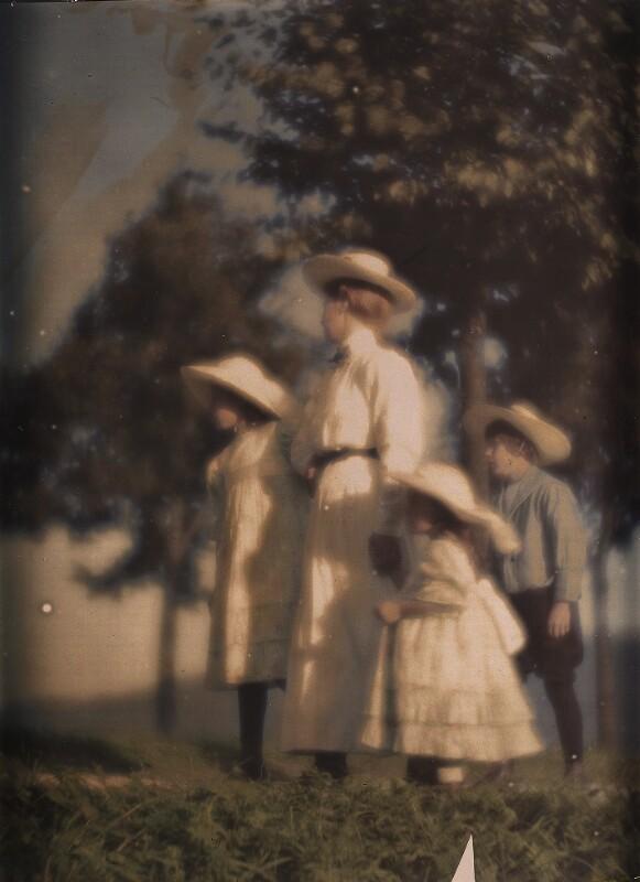 Mary Warner mit Geschwistern Kühn