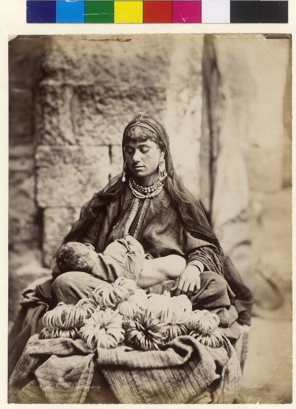 Verkäuferin von Glasschmuck in Kairo, Ägypten