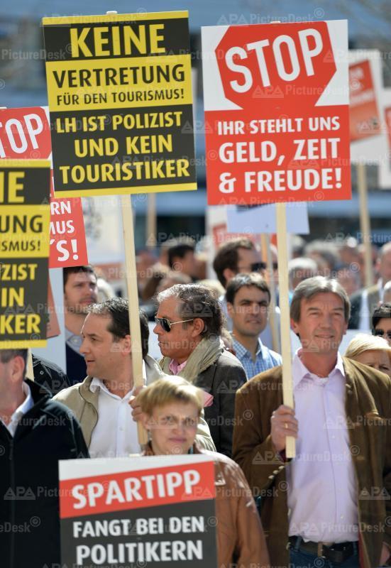 Demonstration der Österreichischen Hoteliervereinigung (ÖHV)
