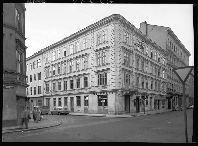 Wien 5, Ramperstorfferstraße 34 und Siebenbrunnengasse 24