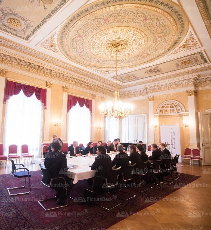 Erstes Treffen der Bildungsreform-Arbeitsgruppe der Bundesregierung