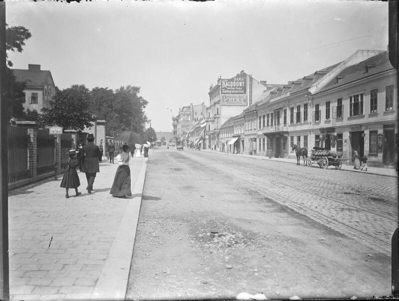 Straßenszene in der Wiener Vorstadt