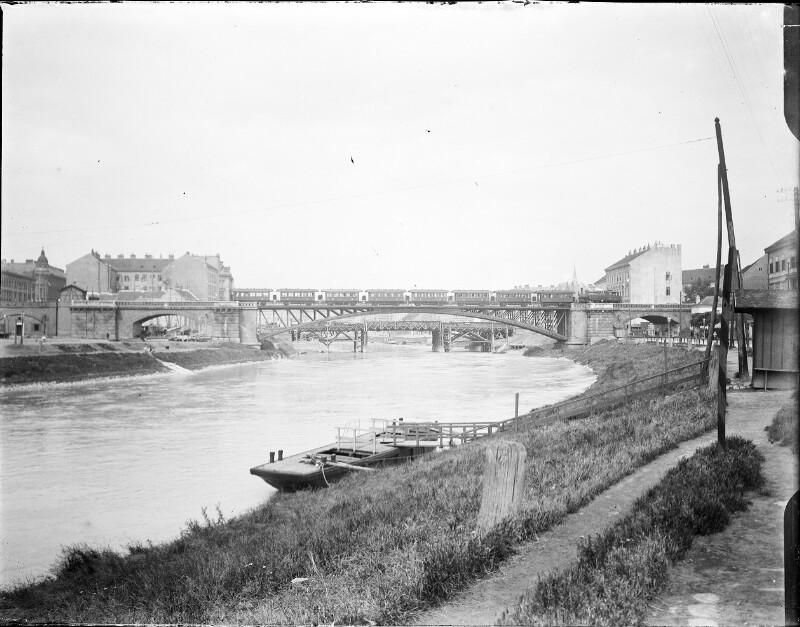 Stadtbahnbrücke über den Donaukanal