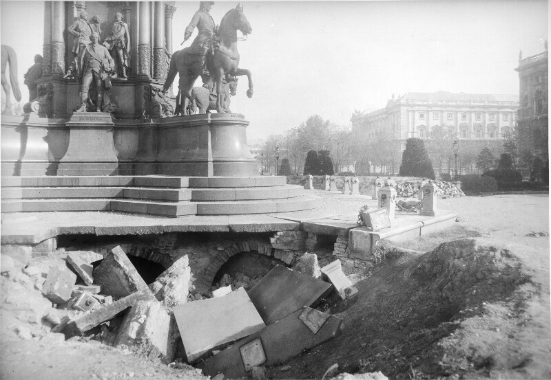 Wien 1, Maria-Theresia-Denkmal