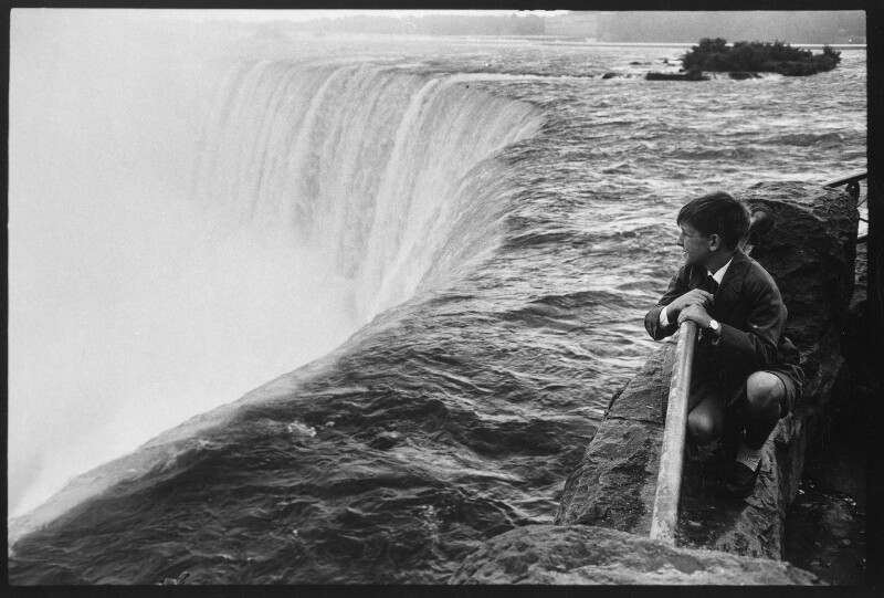 Aussichtsplattform vor den Niagarafällen