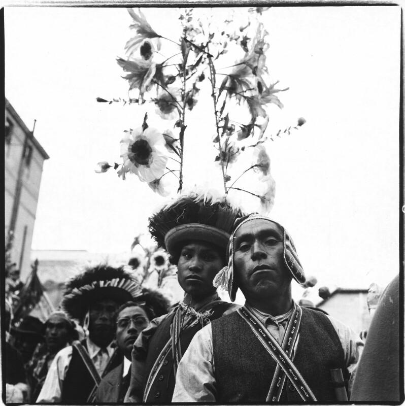 Indianer in Tracht in La Paz