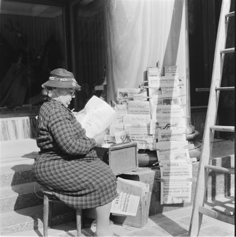 Zeitungsverkäuferin in Wien