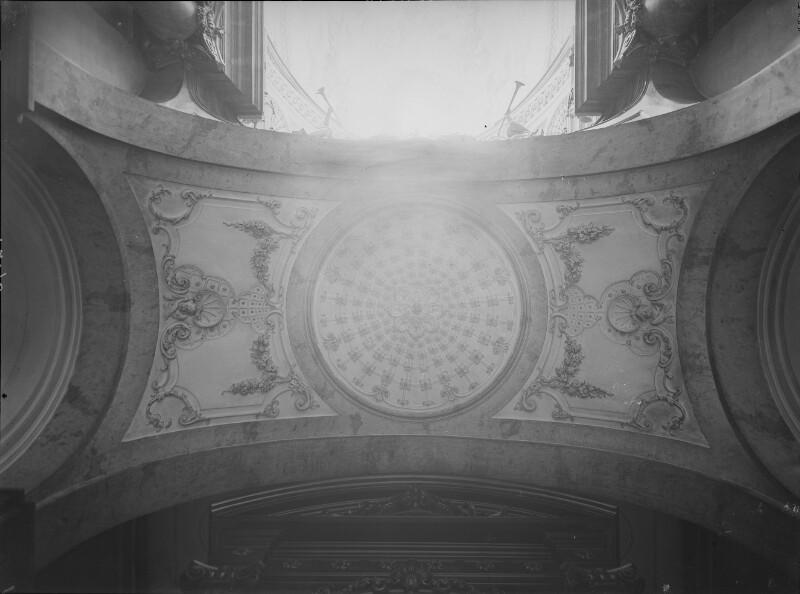 Gewölbe in der Karlskirche, Wien