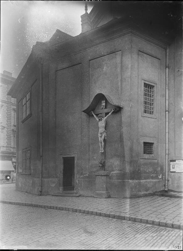 Wien 18, Kruzifix an der Währinger Pfarrkirche