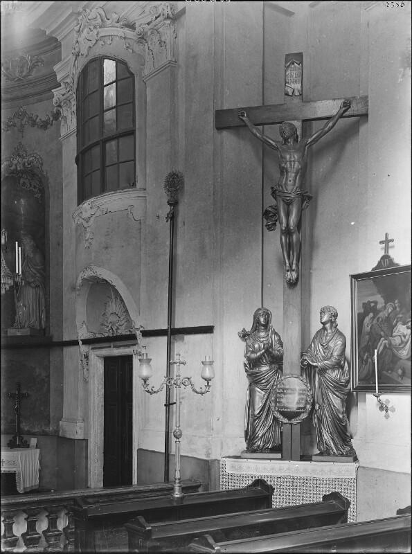 Wien 18, Kruzifix in der Währinger Pfarrkirche