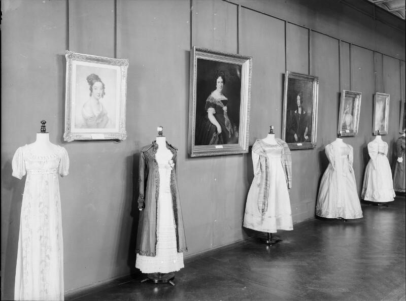 """Ausstellung """"150 Jahre Wiener Mode"""""""