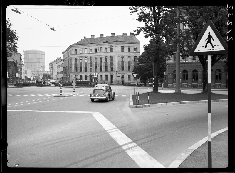 Wien 12, Breitenfurterstraße bei 19