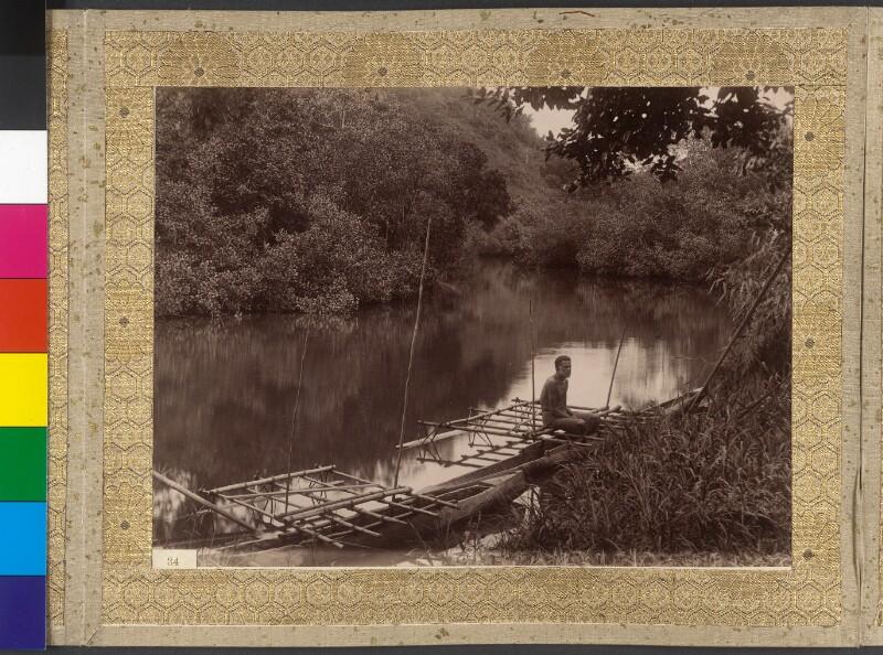 Einheimischer auf Boot am Fluss Visari