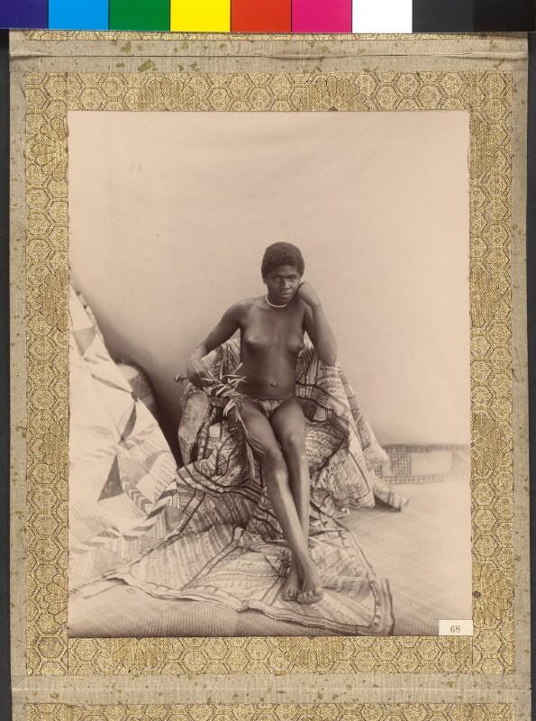 """Espiritu Santo (Vanuatu): Die Tochter des Häuptlings von St. Philippe Bay an Bord der Yacht """"Tolna"""""""
