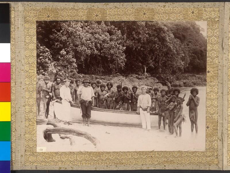 """Espiritu Santo (Vanuatu): Die Bootsmannschaft der """"Tolna"""" mit Einheimischen am Anlegeplatz La Table"""