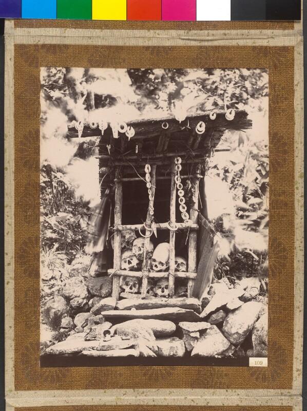 Insel Simbo (Salomonen): Tabuhaus im Busch
