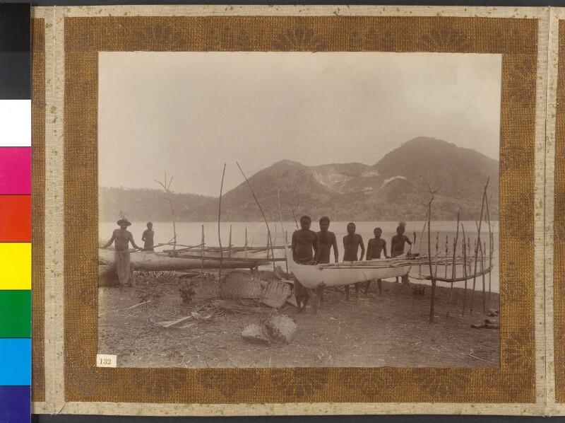 Insel Matupi (Bismarck-Archipel): Fischer mit ihren Booten
