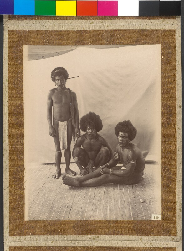 """Jesus-Maria-Inseln (Admiralitätsinseln): Einheimische an Bord der Yacht """"Tolna"""""""