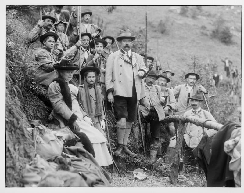 Erzherzog Franz Ferdinand mit seiner Familie auf der Jagd